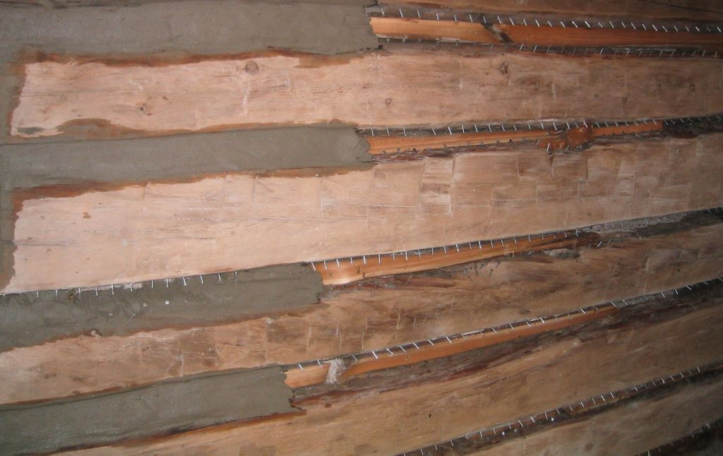 Log walls during cleaning